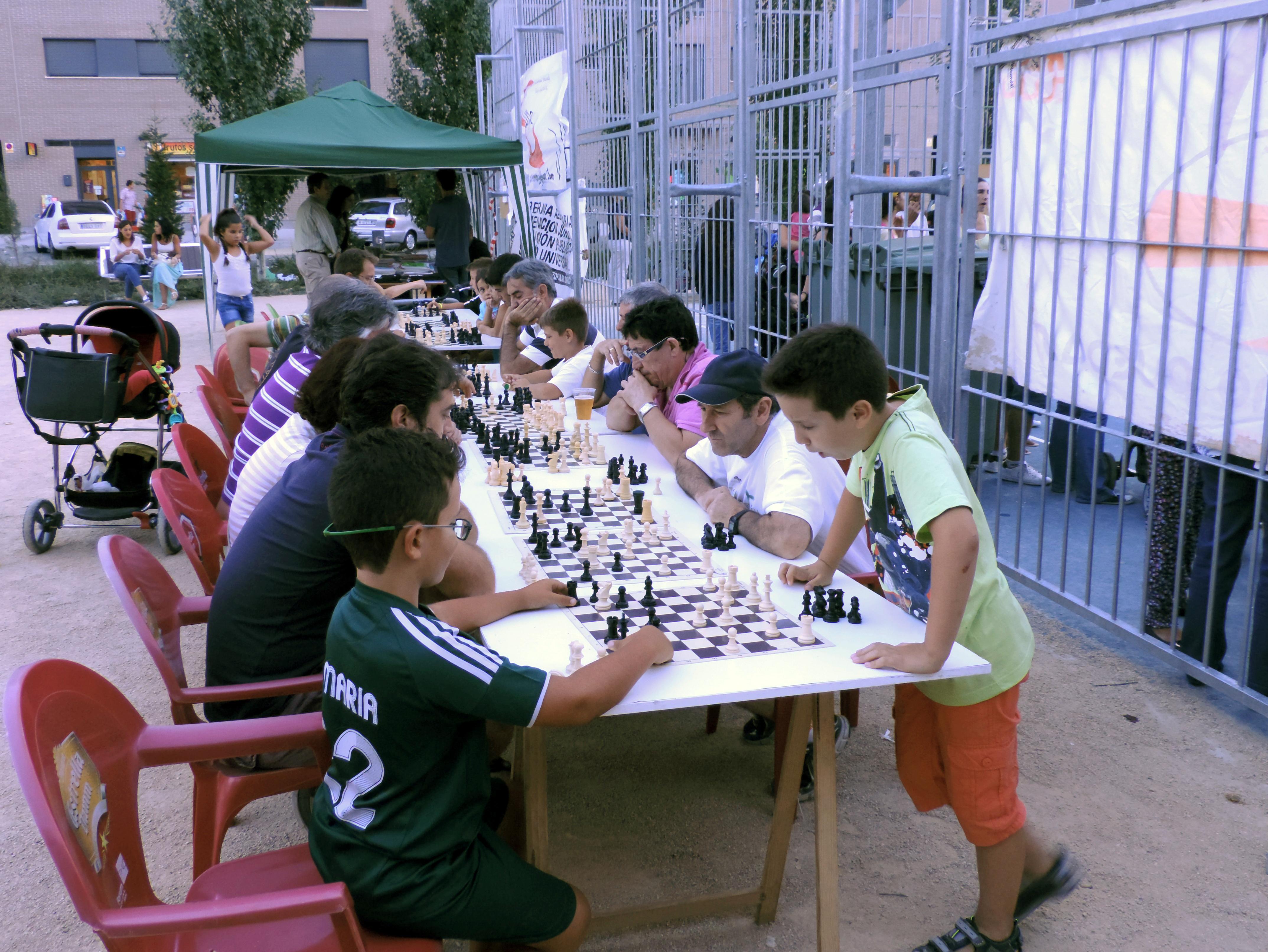2013-08 Ajedrez Barrio La Luna 001